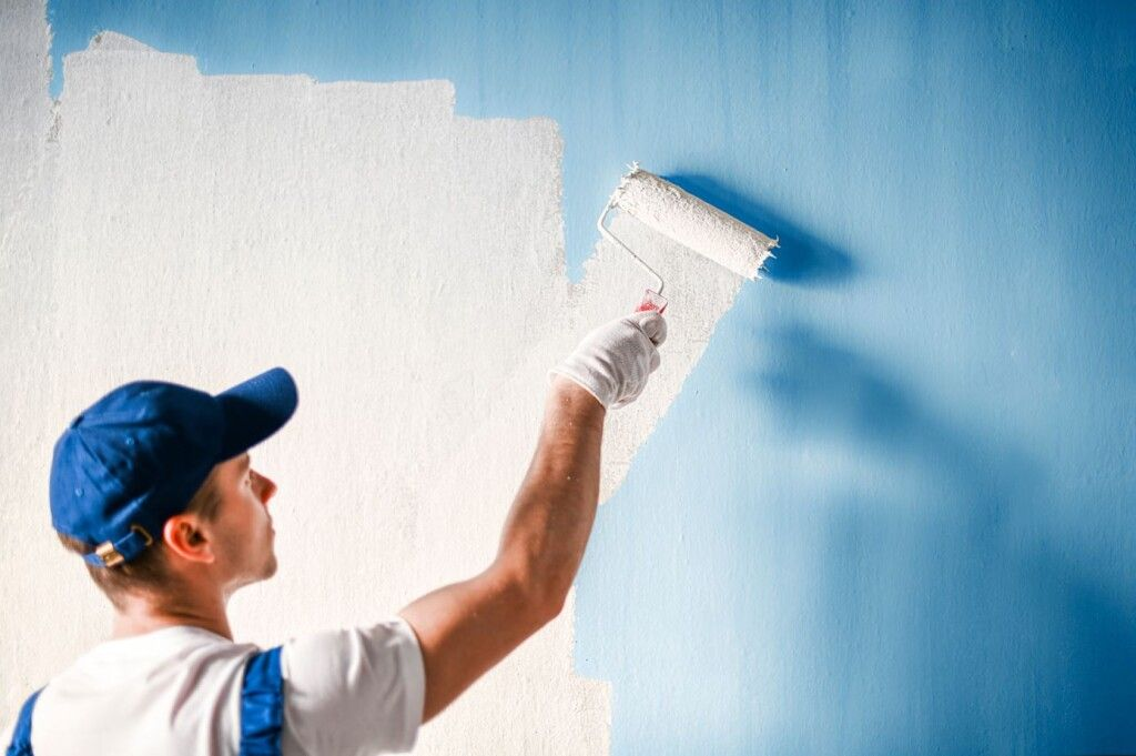 A House painter in a Shakopee, MN home